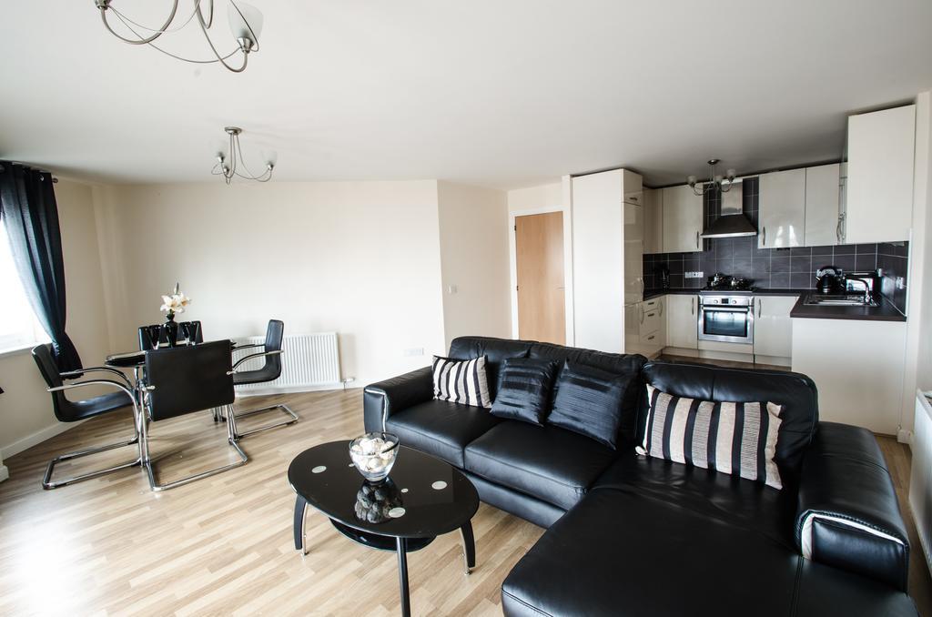 Aberdeen-Corporate-Luxury-Apartments---Portland-Street-Apartments-Near-Beach-Ballroom---Urban-stay-3