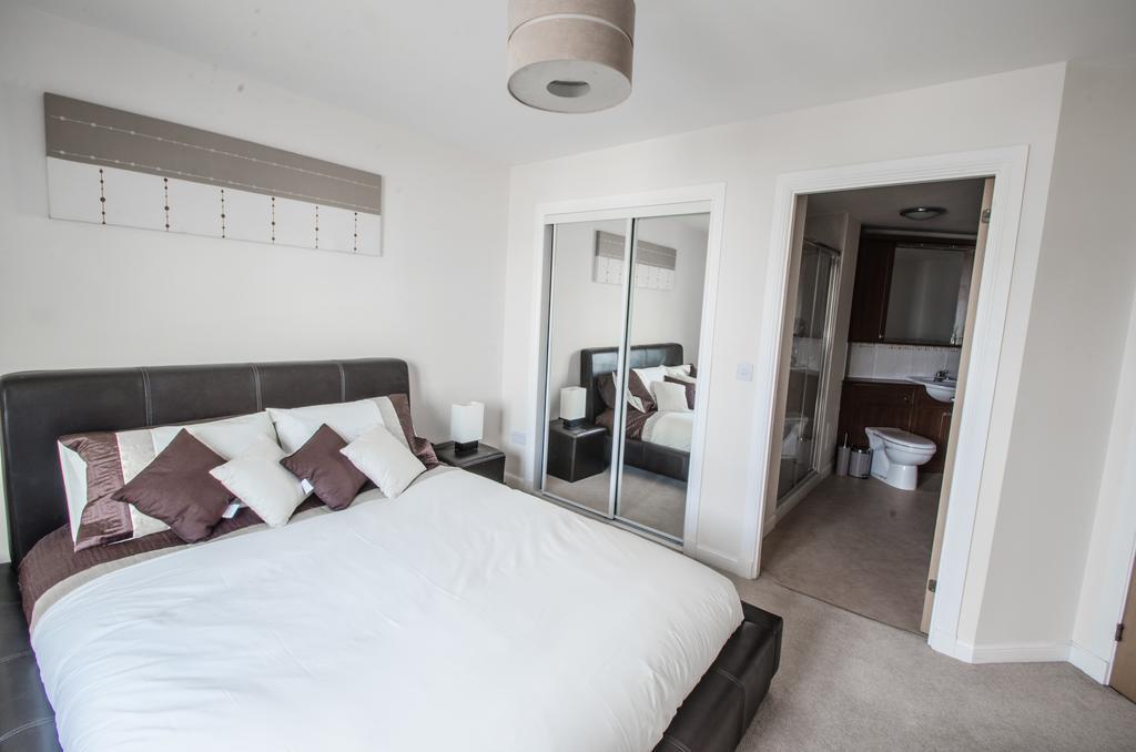 Aberdeen-Corporate-Luxury-Apartments---Portland-Street-Apartments-Near-Beach-Ballroom---Urban-stay-6