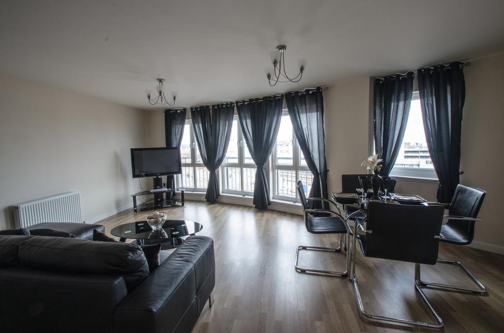 Aberdeen-Corporate-Luxury-Apartments---Portland-Street-Apartments-Near-Beach-Ballroom---Urban-stay