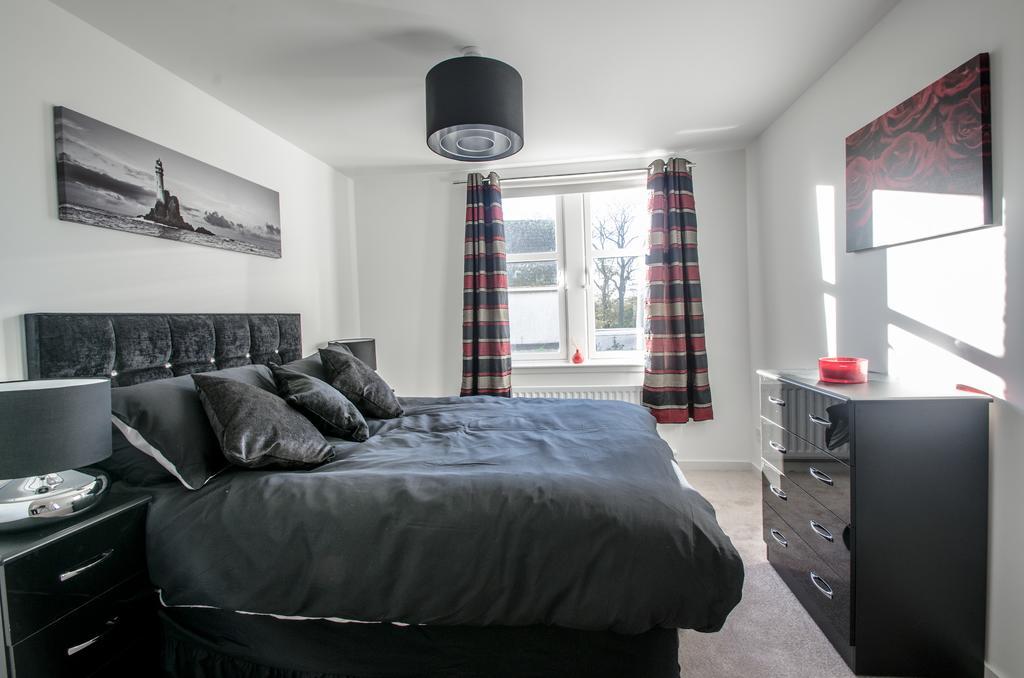 Aberdeen-Serviced-Apartments---Polmuir-Gardens-Apartments-Near-Beach-Ballroom---Urban-Stay-1