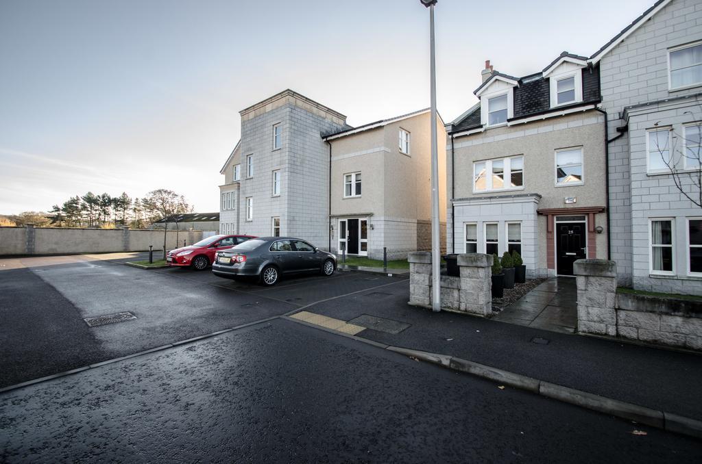Aberdeen-Serviced-Apartments---Polmuir-Gardens-Apartments-Near-Beach-Ballroom---Urban-Stay-3