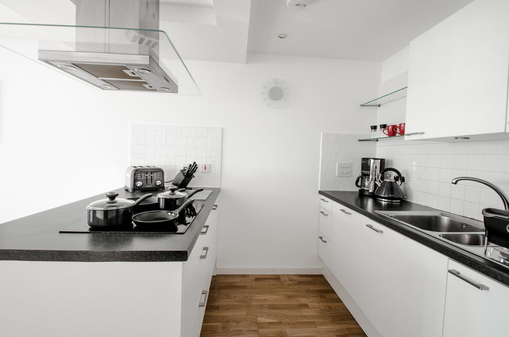 Aberdeen-Serviced-Apartments---Polmuir-Gardens-Apartments-Near-Beach-Ballroom---Urban-Stay-5