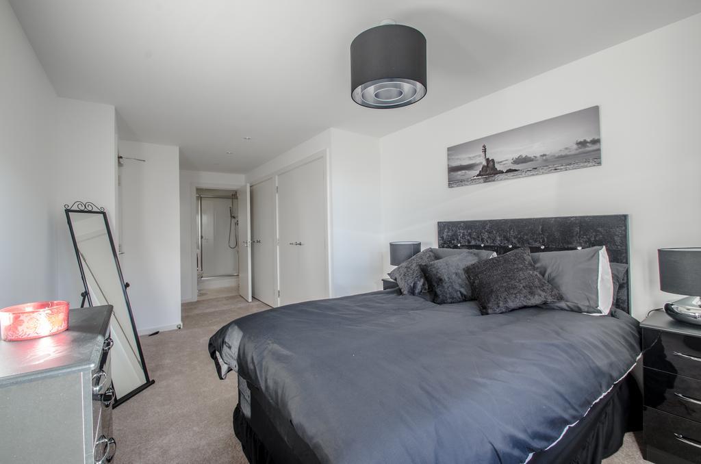 Aberdeen-Serviced-Apartments---Polmuir-Gardens-Apartments-Near-Beach-Ballroom---Urban-Stay-7