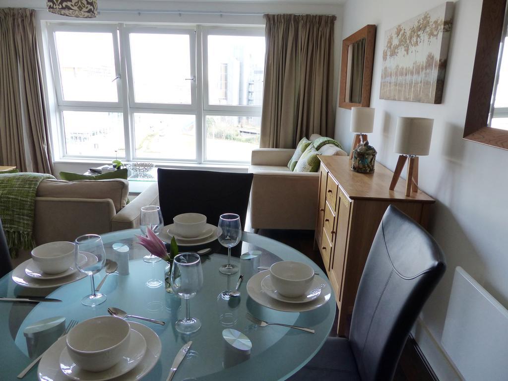 Basingstoke-Corporate-Accommodation---Skyline-Plaza-Apartments-Near-Festival-Place-Shopping-Centre---Urban-Stay-2