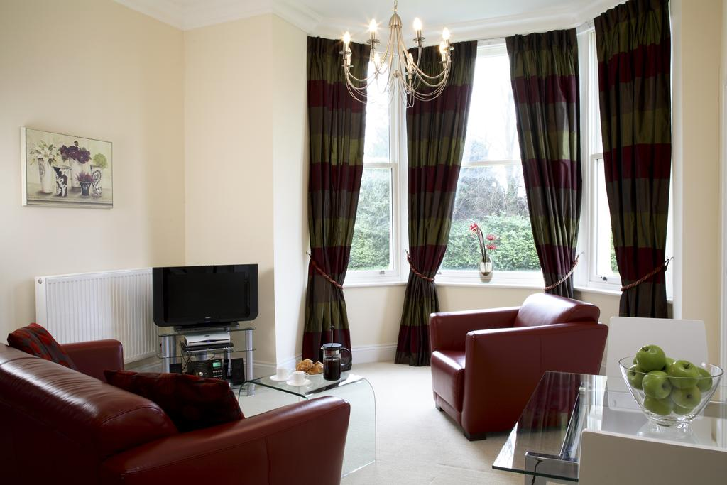 Basingstoke Luxury Corporate Apartments - Sherborne House Apartments Near Festival Place Shopping Centre - Urban Stay 2