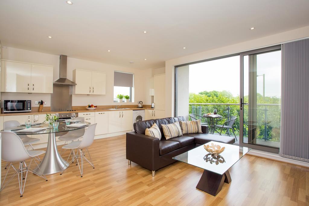 Basingstoke-Luxury-Serviced-Apartments---Western-Gate-Apartments-Near-Basingstoke-Railway-Station---Urban-Stay-4