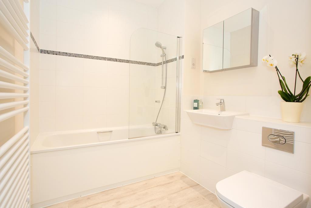 Basingstoke-Luxury-Serviced-Apartments---Western-Gate-Apartments-Near-Basingstoke-Railway-Station---Urban-Stay-5
