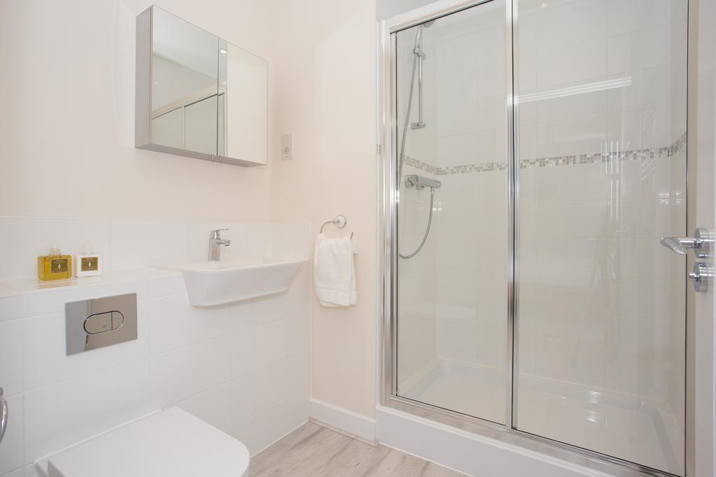 Basingstoke-Luxury-Serviced-Apartments---Western-Gate-Apartments-Near-Basingstoke-Railway-Station---Urban-Stay-6
