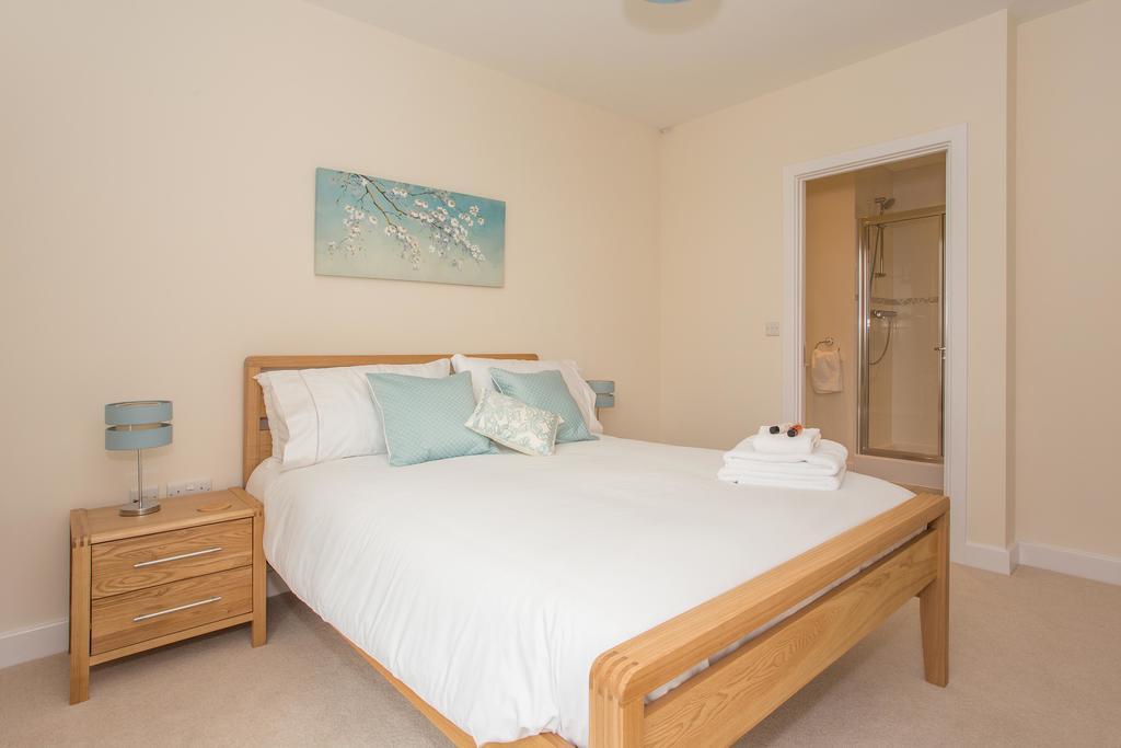 Basingstoke-Luxury-Serviced-Apartments---Western-Gate-Apartments-Near-Basingstoke-Railway-Station---Urban-Stay-9