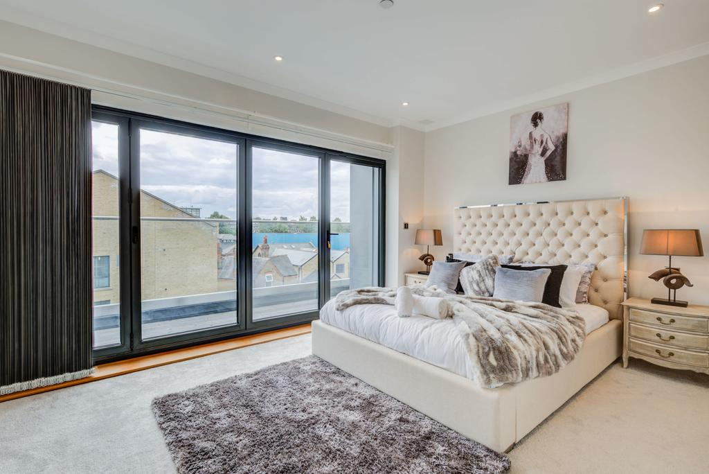 Brentford-Corporate-Apartments---Concord-Apartments-Near-Griffin-Park---Urban-Stay-10