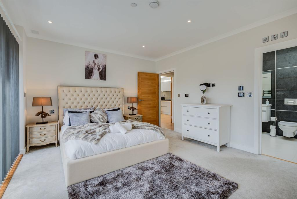 Brentford-Corporate-Apartments---Concord-Apartments-Near-Griffin-Park---Urban-Stay-12