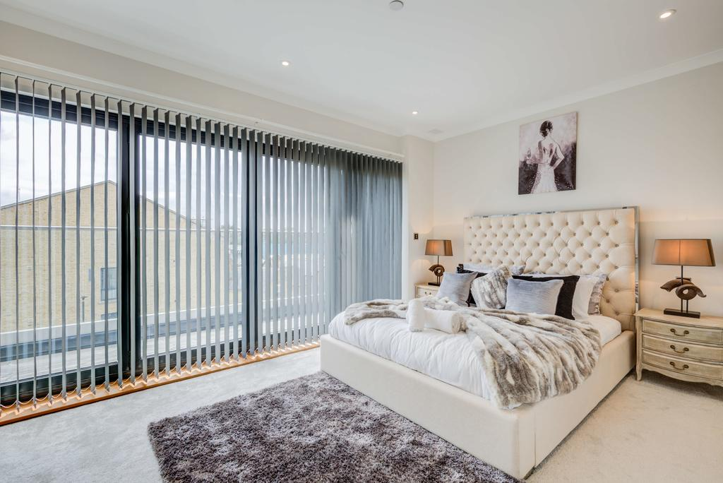 Brentford-Corporate-Apartments---Concord-Apartments-Near-Griffin-Park---Urban-Stay-13