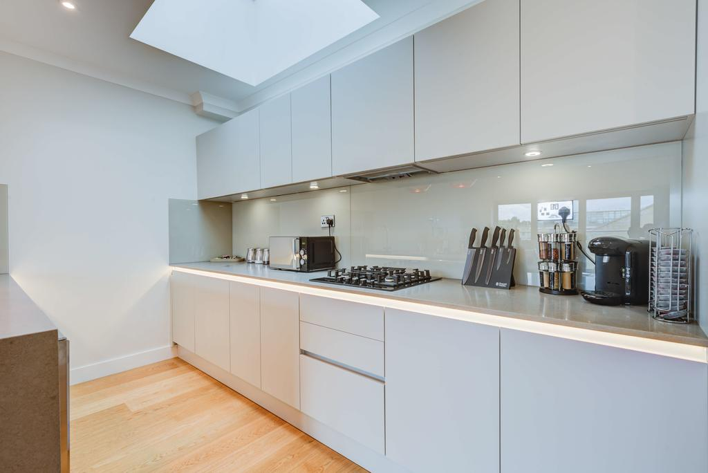 Brentford-Corporate-Apartments---Concord-Apartments-Near-Griffin-Park---Urban-Stay-23