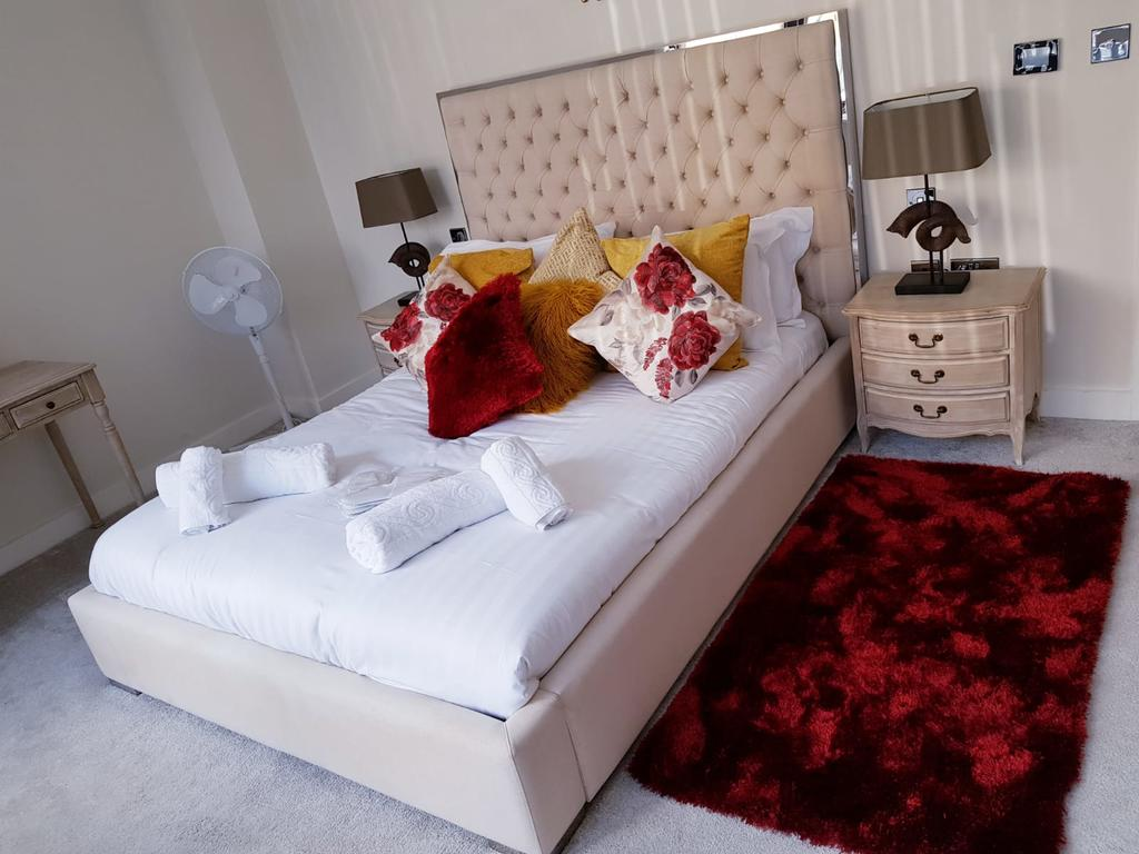 Brentford-Corporate-Apartments---Concord-Apartments-Near-Griffin-Park---Urban-Stay-4