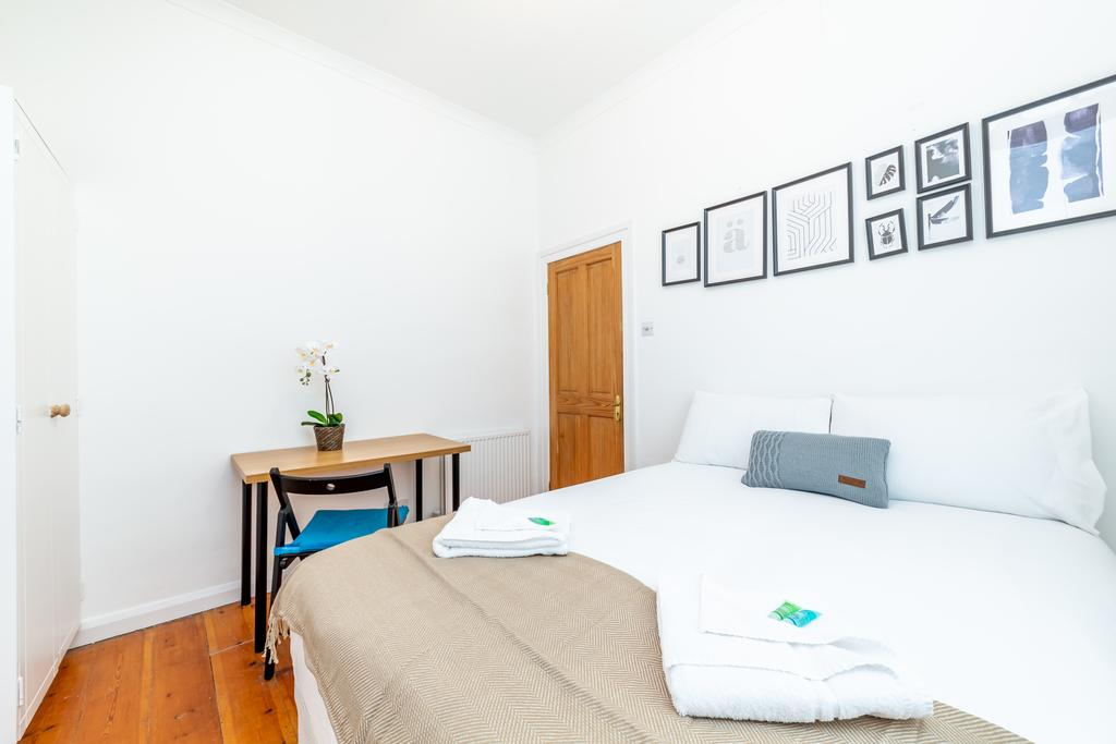 Camden-Luxury-Corporate-Apartments---Goldington-Crescent-Apartments-Near-King's-Cross-Theatre---Urban-Stay-2