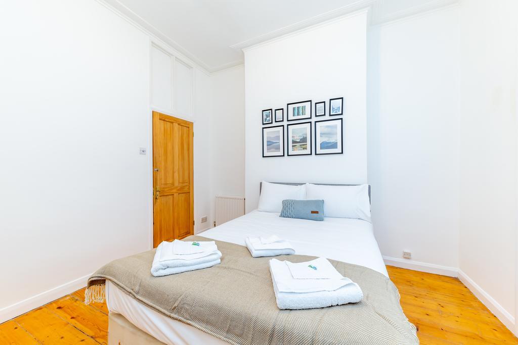 Camden-Luxury-Corporate-Apartments---Goldington-Crescent-Apartments-Near-King's-Cross-Theatre---Urban-Stay-9