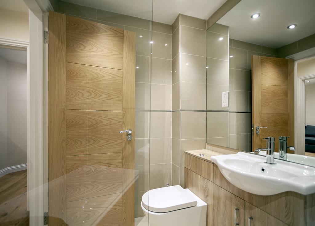 Camden-Luxury-Serviced-Accommodation---Kilburn-Apartments-Near-Lord's-Cricket-Ground---Urban-Stay-(1)