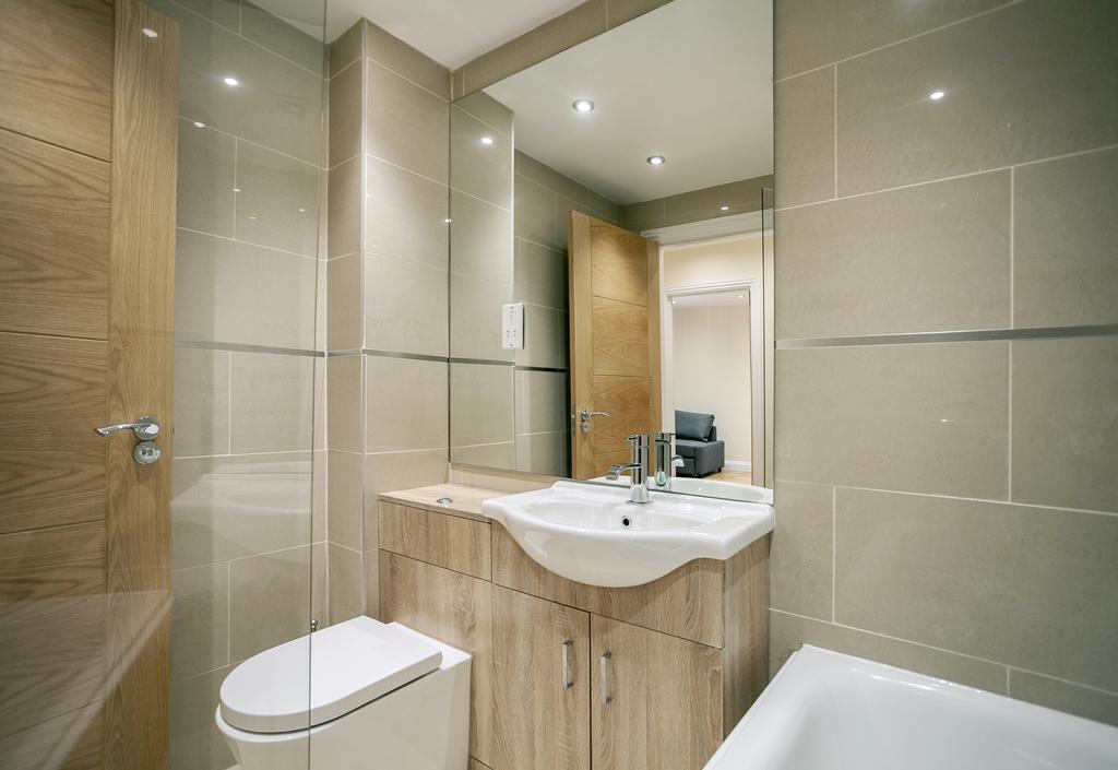 Camden-Luxury-Serviced-Accommodation---Kilburn-Apartments-Near-Lord's-Cricket-Ground---Urban-Stay-(2)