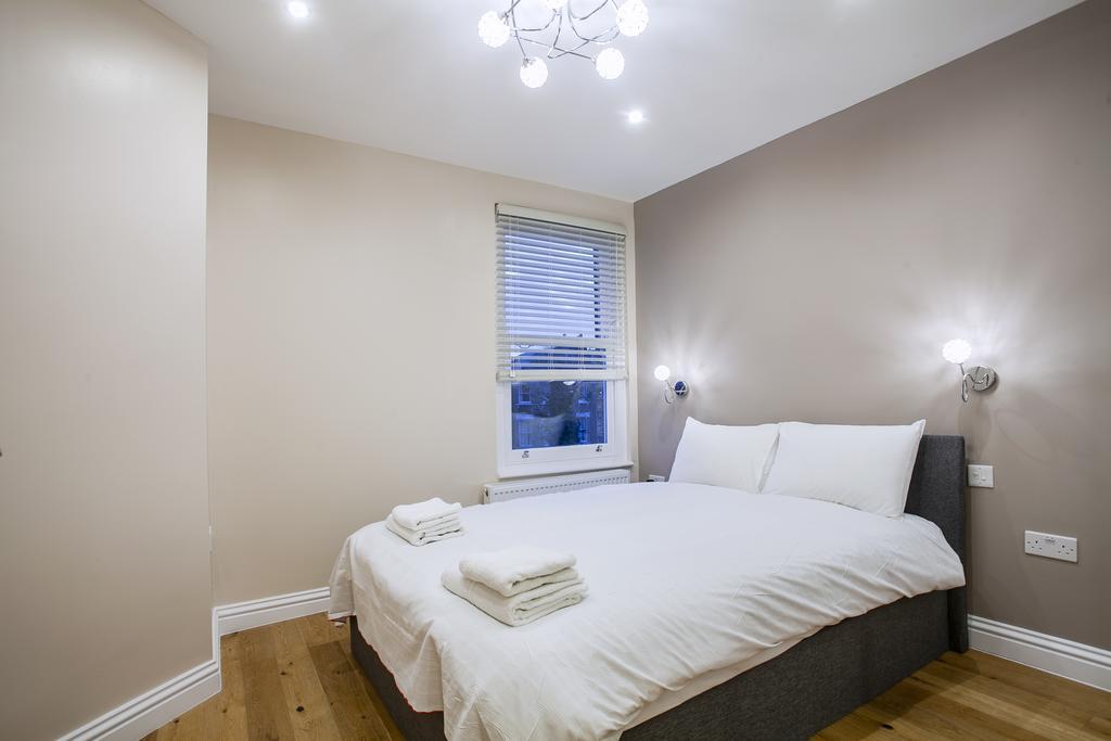 Camden-Luxury-Serviced-Accommodation---Kilburn-Apartments-Near-Lord's-Cricket-Ground---Urban-Stay-(5)