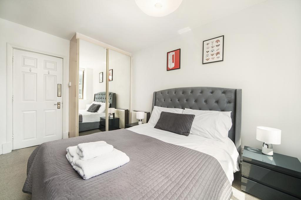 Camden-short-let-Accommodation---Chitty-Street-Apartments-Near-Dominion-Theatre---Urban-Stay-3