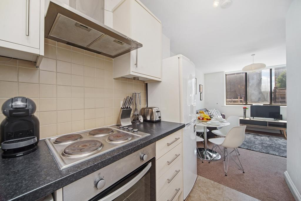Camden-short-let-Accommodation---Chitty-Street-Apartments-Near-Dominion-Theatre---Urban-Stay-6