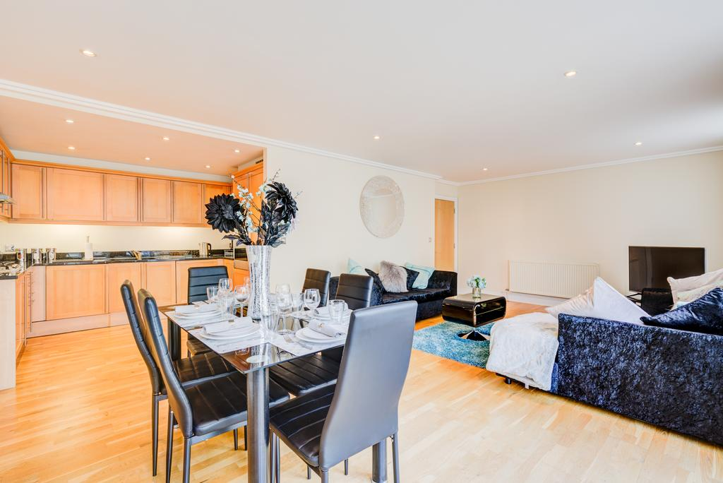 Corporate-Accommodation-Brentford---Town-Meadow-Apartments-Near-Griffin-Park-London---Urban-stay-10