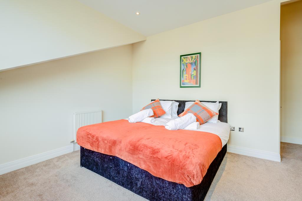 Corporate-Accommodation-Brentford---Town-Meadow-Apartments-Near-Griffin-Park-London---Urban-stay-15