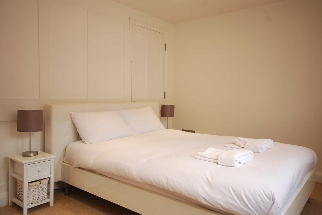 Covent-Garden-Serviced-Accommodation---Earlham-Street-Apartments-Near-Arts-Theatre---Urban-Stay-2
