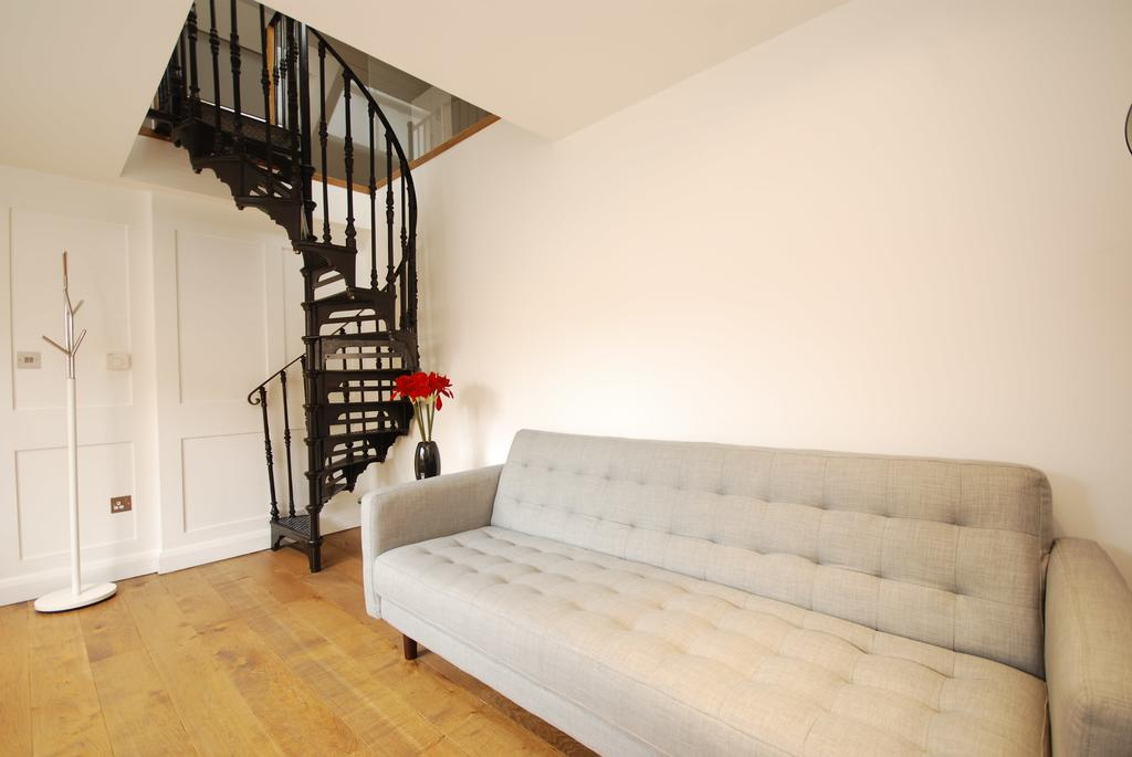 Covent-Garden-Serviced-Accommodation---Earlham-Street-Apartments-Near-Arts-Theatre---Urban-Stay-3