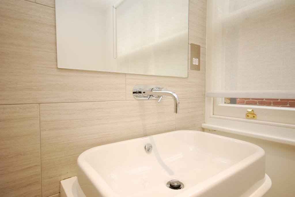 Covent-Garden-Serviced-Accommodation---Earlham-Street-Apartments-Near-Arts-Theatre---Urban-Stay-8