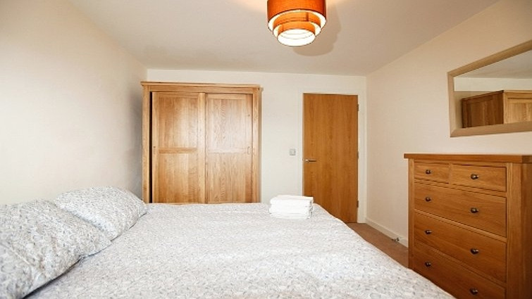 Coventry-Luxury-Accommodation---Priory-Place-Apartments-Near-Ricoh-Arena---Urban-Stay-13