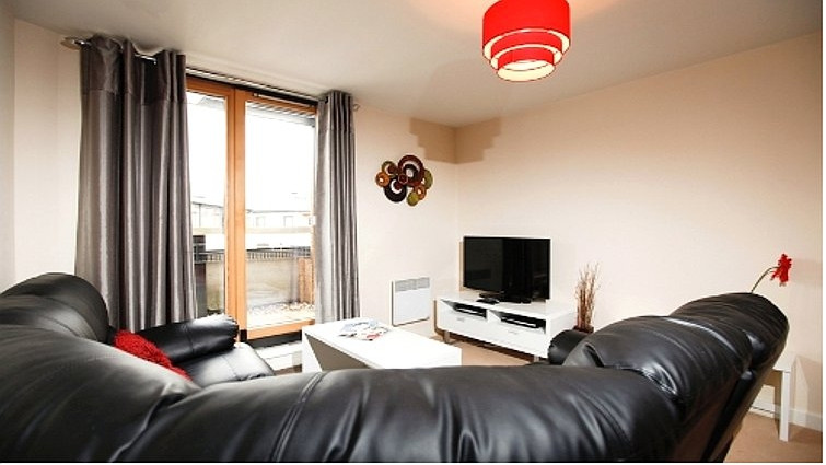 Coventry-Luxury-Accommodation---Priory-Place-Apartments-Near-Ricoh-Arena---Urban-Stay-14