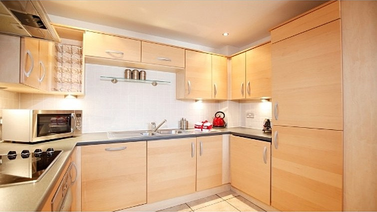 Coventry-Luxury-Accommodation---Priory-Place-Apartments-Near-Ricoh-Arena---Urban-Stay-2