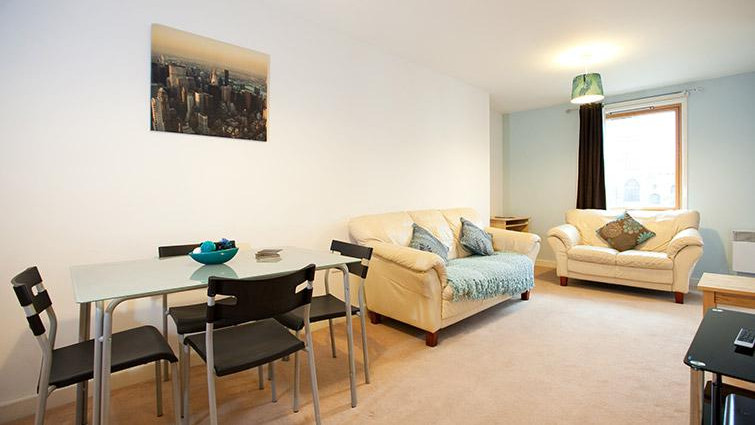 Coventry-Luxury-Accommodation---Priory-Place-Apartments-Near-Ricoh-Arena---Urban-Stay-6