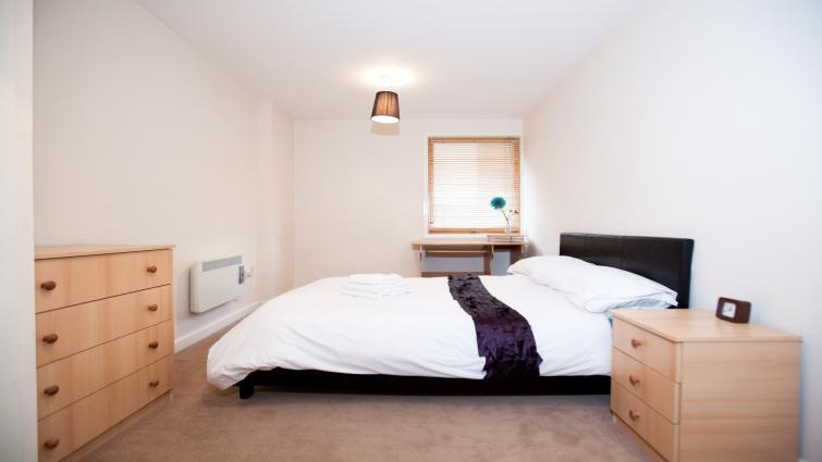 Coventry-Luxury-Accommodation---Priory-Place-Apartments-Near-Ricoh-Arena---Urban-Stay-8