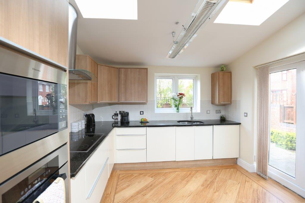 Coventry-Serviced-Apartments---Coundon-Fields-Apartments-Near-City-Centre---Urban-Stay-7