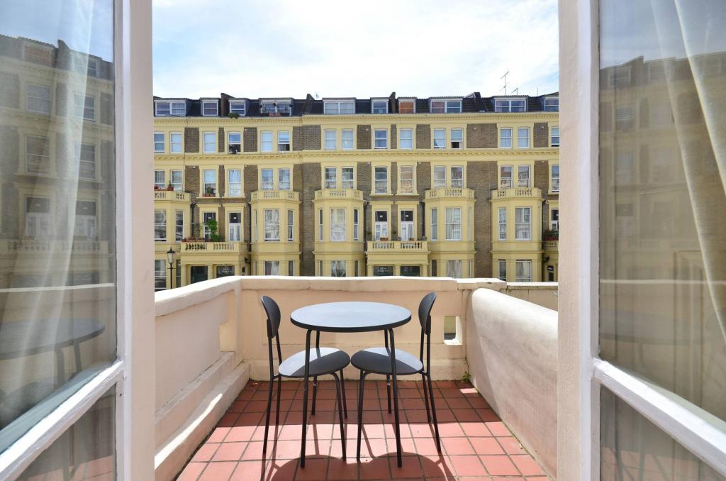 Earl's Court Serviced Apartments - Penywern Road Apartments Near Earl's Court Tube Station - Urban Stay 23