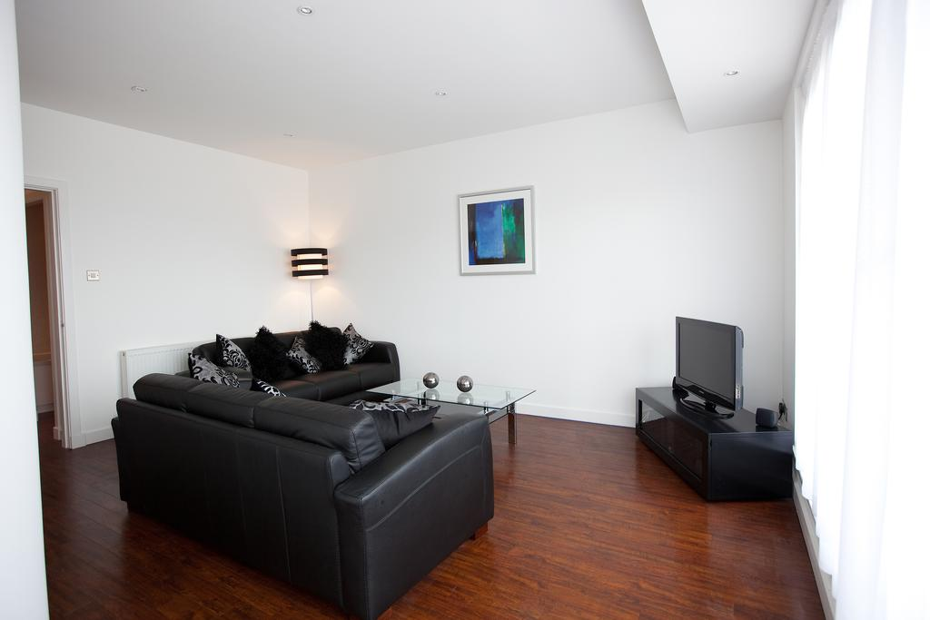 Glasgow-Luxury-Corporate-Apartments---Glassford-Street-Apartments-Near-Glasgow-City-Centre---Urban-Stay-13