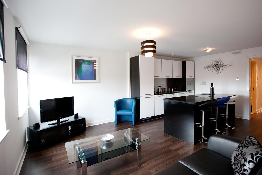 Glasgow-Luxury-Corporate-Apartments---Glassford-Street-Apartments-Near-Glasgow-City-Centre---Urban-Stay-4