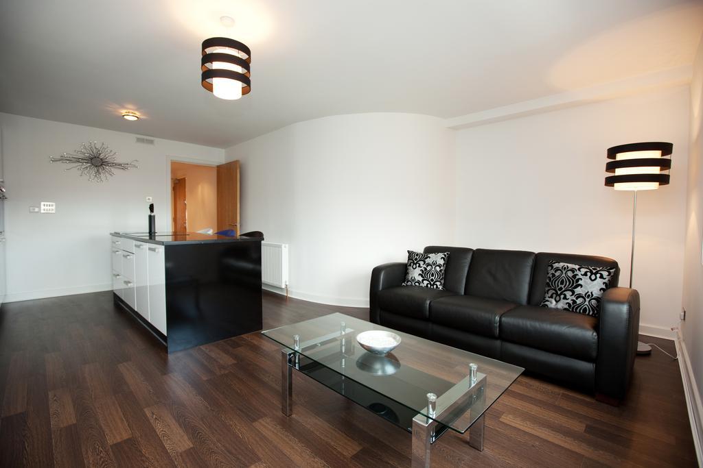 Glasgow-Luxury-Corporate-Apartments---Glassford-Street-Apartments-Near-Glasgow-City-Centre---Urban-Stay-5