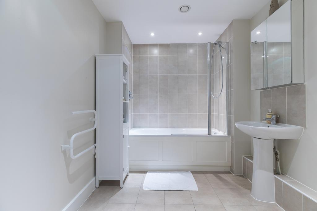 Hammersmith-and-Fulham-Serviced-Apartments---Gooch-House-Apartments-Near-Eventim-Apollo--Urban-stay-10