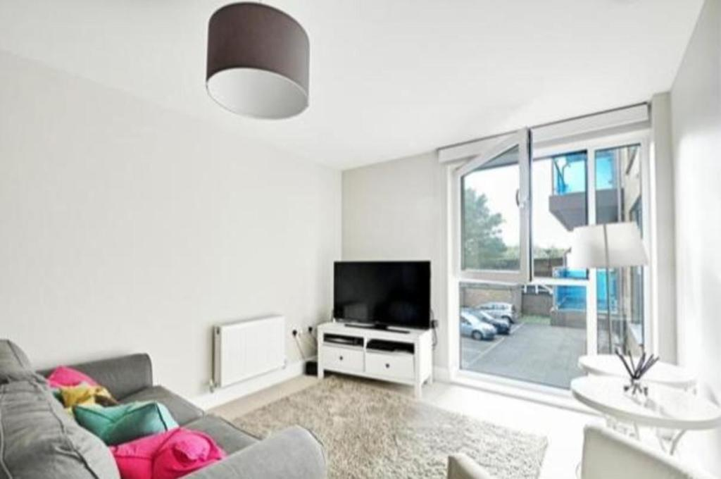 Hammersmith-and-Fulham-Serviced-Apartments---Gooch-House-Apartments-Near-Eventim-Apollo--Urban-stay-12