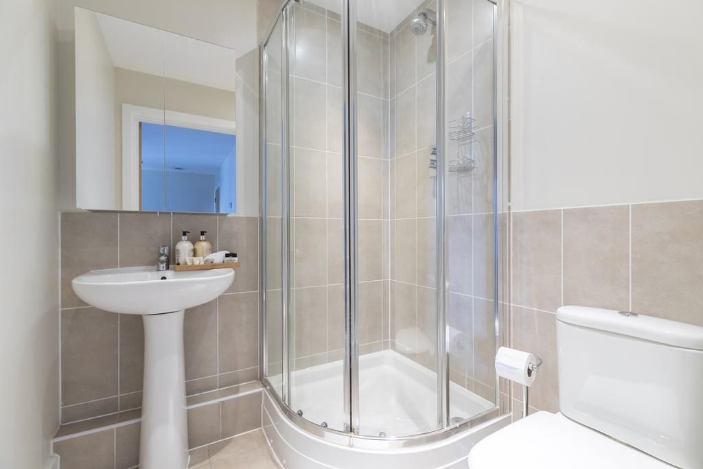 Hammersmith-and-Fulham-Serviced-Apartments---Gooch-House-Apartments-Near-Eventim-Apollo--Urban-stay-18