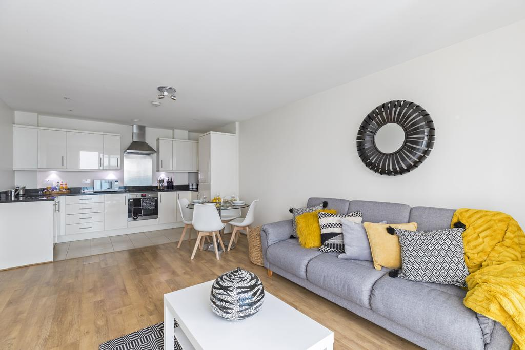 Hammersmith-and-Fulham-Serviced-Apartments---Gooch-House-Apartments-Near-Eventim-Apollo--Urban-stay-2