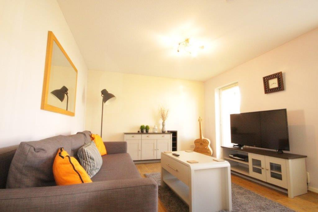 Hull-Luxury-Serviced-Accommodation ---Wind-House-View-Apartment-Near-Hull-New-Theatre---Urban-Stay-2