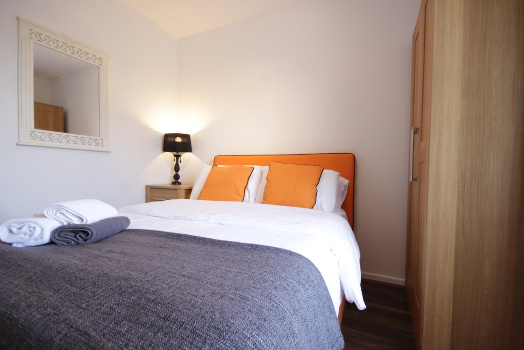 Hull-Luxury-Serviced-Accommodation ---Wind-House-View-Apartment-Near-Hull-New-Theatre---Urban-Stay-4