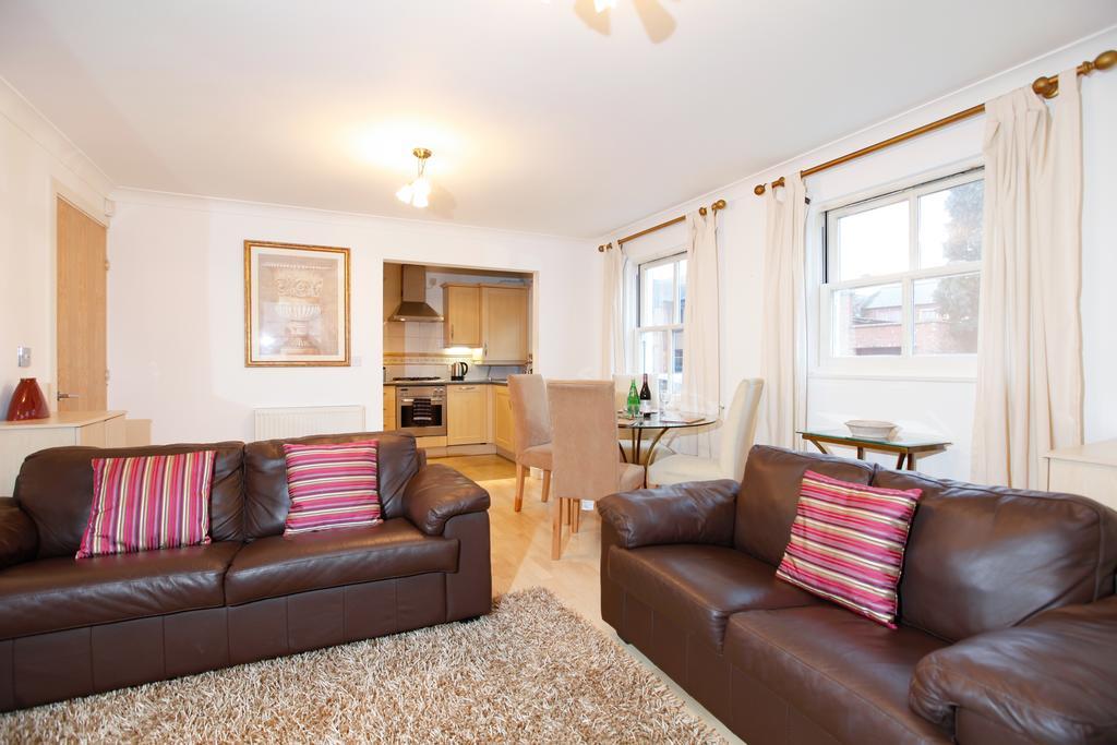 Leamington-Spa-Serviced-Apartments--Packington-Place-ApartmentsNear-Train-Station---Urban-Stay-2
