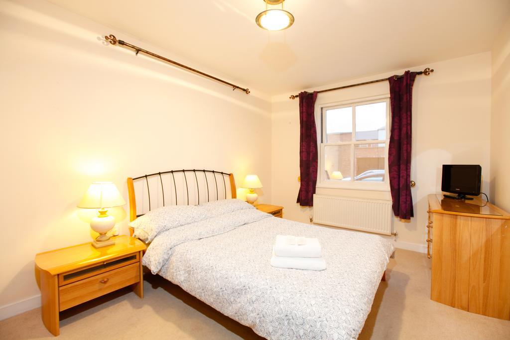 Leamington-Spa-Serviced-Apartments--Packington-Place-ApartmentsNear-Train-Station---Urban-Stay-7