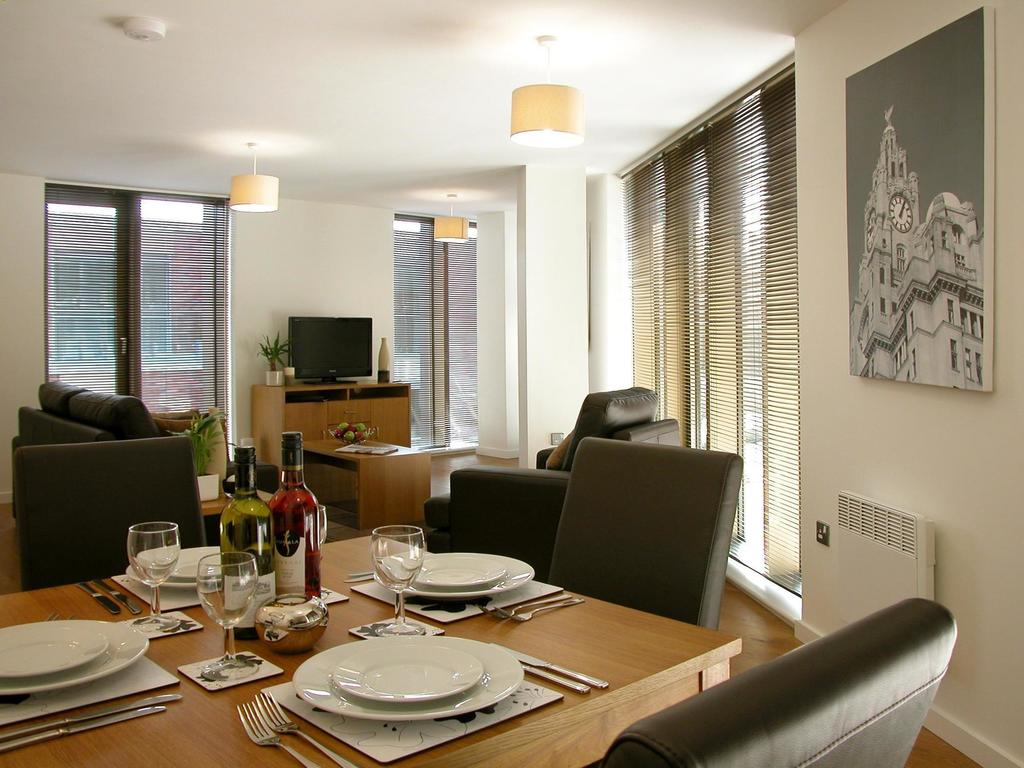 Liverpool-Serviced-Accommodation---Liverpool-City-Centre-Apartments-Near-Chavasse-Park---Urban-Stay-2