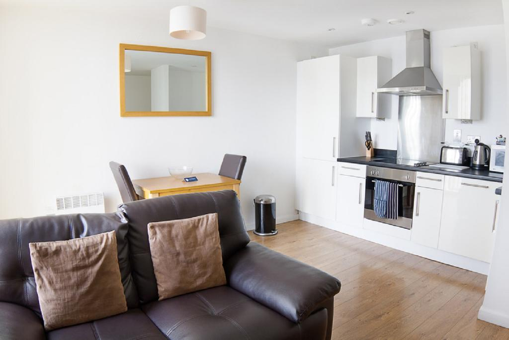 Liverpool-Serviced-Accommodation---Liverpool-City-Centre-Apartments-Near-Chavasse-Park---Urban-Stay-7